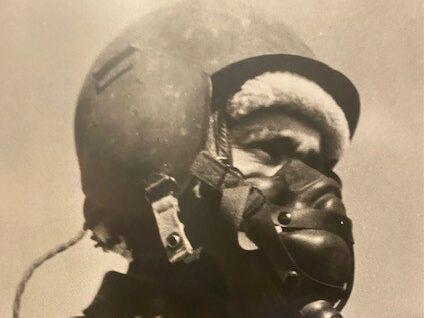 Theo S. met uitrusting b17 crash Hoorn 7 juli 1944
