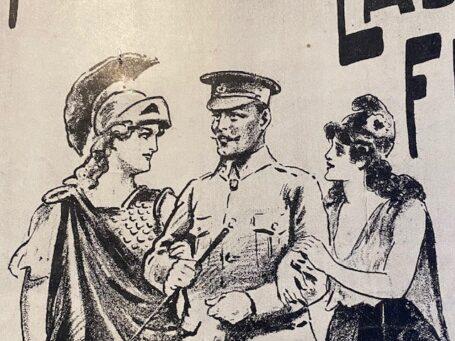 militair met symbolen van Engeland en Frankrijk aan de arm.